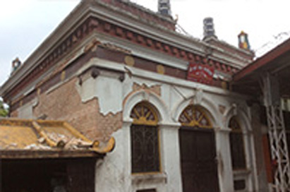 7.8 Earthquake Destroy Monastery.